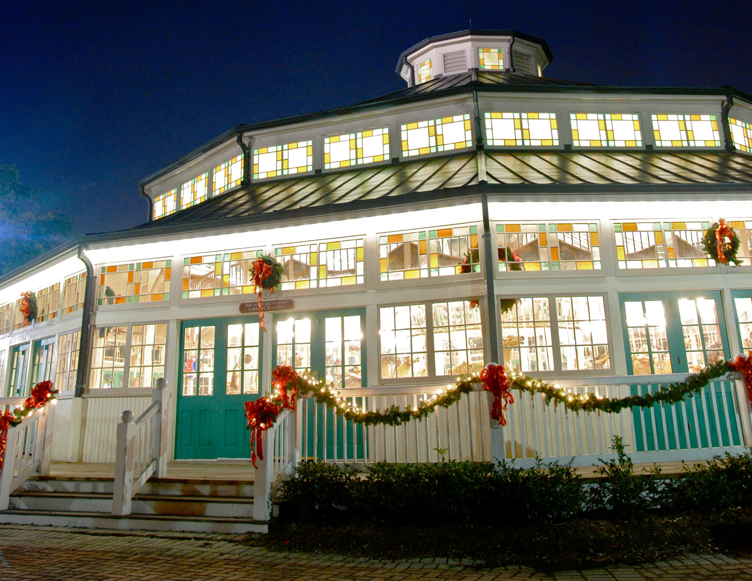 Christmas In The Oaks New Orleans Driving Tour